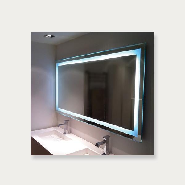 Ubrugte Spejl med LED lys hele vejen rundt - vierbilligst.dk BW-18