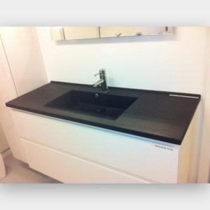 Støbt granit bordplade til bad