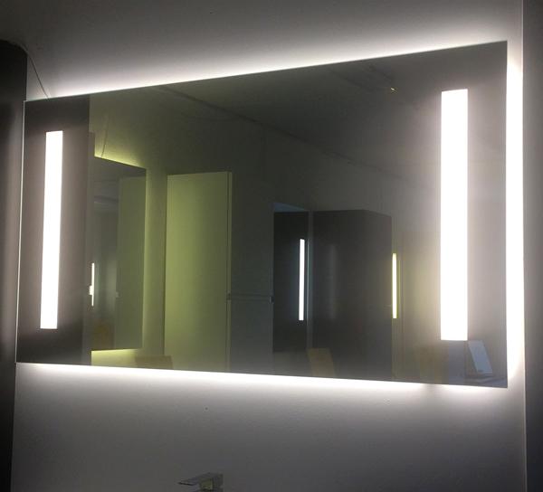 Fabriksnye Spejl med Ambilight og dæmpbare LED lys felter - vierbilligst.dk EN-94
